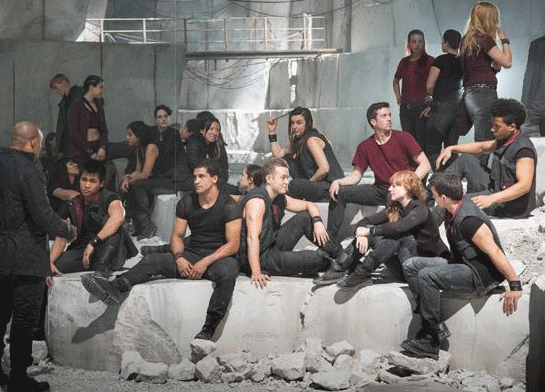 Dauntless born initiates