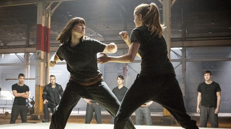 Tris Fighting Molly