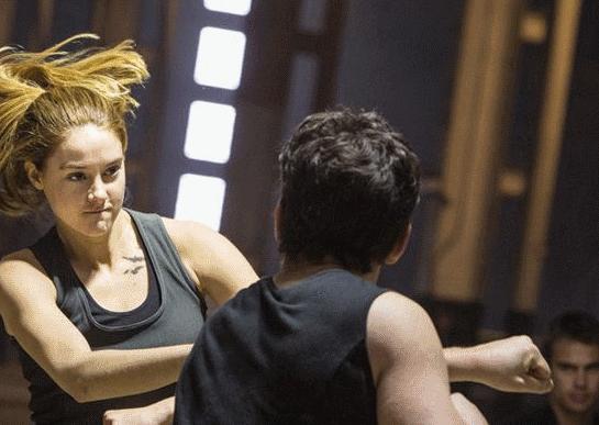 Tris fight Peter